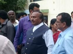 Ks Eshwarappa Says Siddaramaiah Is Acting Like Clerk