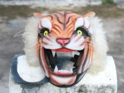 Tigers Head In Helmet New Trend In Motorcycle Riding