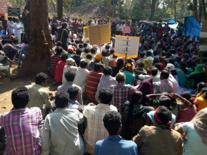 Adivasi S Protest In Diddalli Against Government Urged For Shelter
