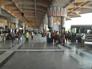 Tsrtc Bus Stand In Hyderabad Not Giving Proper Facility To Ksrtc Buses