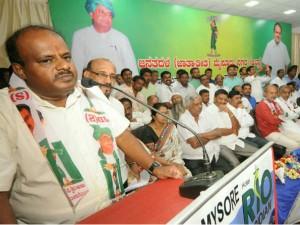 Nanjangudu Byelection Congress Shocked As Keshavamurthi In Jds Camp