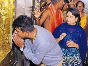 Kannada Actor Shivaraj Kumar Visits Sri Krishna Math