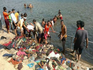 Three Tractor Garbage Found In Kapila River Near Nanjangud