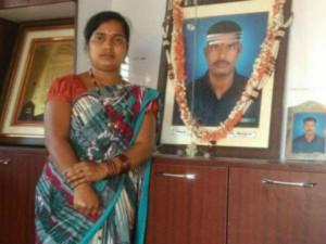 Hanumanthappa Koppad Wife Mahadevi Demands A Job
