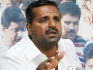 Khader Justifies His Chappal Slapping Remark Against Sangh Pariwar