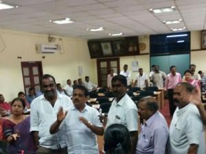 Sampaje Nada Office Ready To Fall Down
