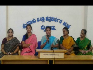 Puspa Amarnath Angry Against Mp Pratap Simha Controversy Commenting About Women S
