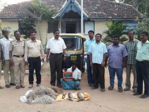 Hunter Arrested One Escaped In Kanakapura Taluk