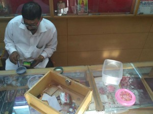 Jewellery Studio Cement Shop Looted In Udupi