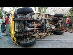 22 Injured After Pickup Truck Overturned In Virajpet Kodagu