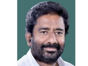 Shiv Sena Mp Ravindra Gaikwad Beats Air India Employee With Slippers