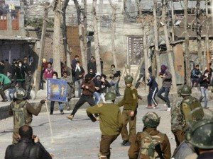 Kashmir 300 Whatsapp Groups With Over 250 Members Were Used To Mobilize Stone Pelters