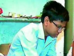 Samosa Maker S Son From Kukatpally Takes Top Rank In Eamcet