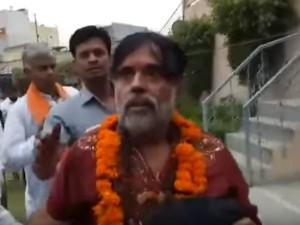 Watch Former Bigg Boss Contestant Om Swami Getting Thrashed By Public