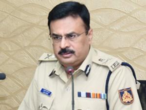 Sdpi Ashraf Kalayi Sdpi Mangalore Adgp Alok Mohan