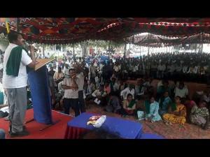 Water Scarcity In Mandya Farmers Protest In Kr Pet