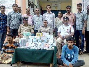 Mandya Police Busts Mobile Theft Gang Recovers Phones Worth Rs 10 Lakh