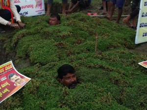 Mandya Farmers Of Cauvery River Catchment Area Give Up Protest