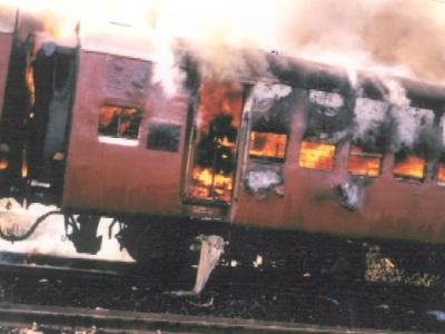 2002ರ ಗೋಧ್ರಾ ರೈಲಿಗೆ ಬೆಂಕಿ ಹಚ್ಚಿದ ಕೇಸ್, ಇಬ್ಬರಿಗೆ ಜೀವಾವಧಿ