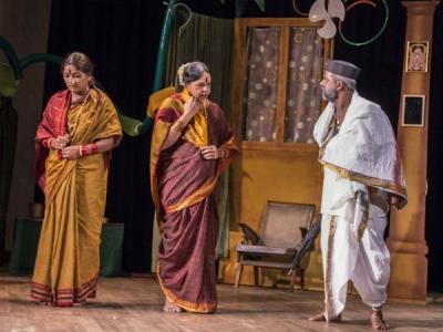 ಮೈಸೂರಿನಲ್ಲಿ ಶ್ರೀನಿವಾಸ ವೈದ್ಯರ ಪಾರ್ಶ್ವ ಸಂಗೀತ ನಾಟಕ ಪ್ರದರ್ಶನ