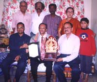 Dr. Nissar : H. G. Lakkappa Gowda, Druvanarayana, Iqbal Ahmed, Appagere Thimmaraju, Smt. Nissar and Dr. K.V. Narayan are seen in the picture