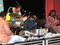 Praveen Godkhindi playing flute in WDC
